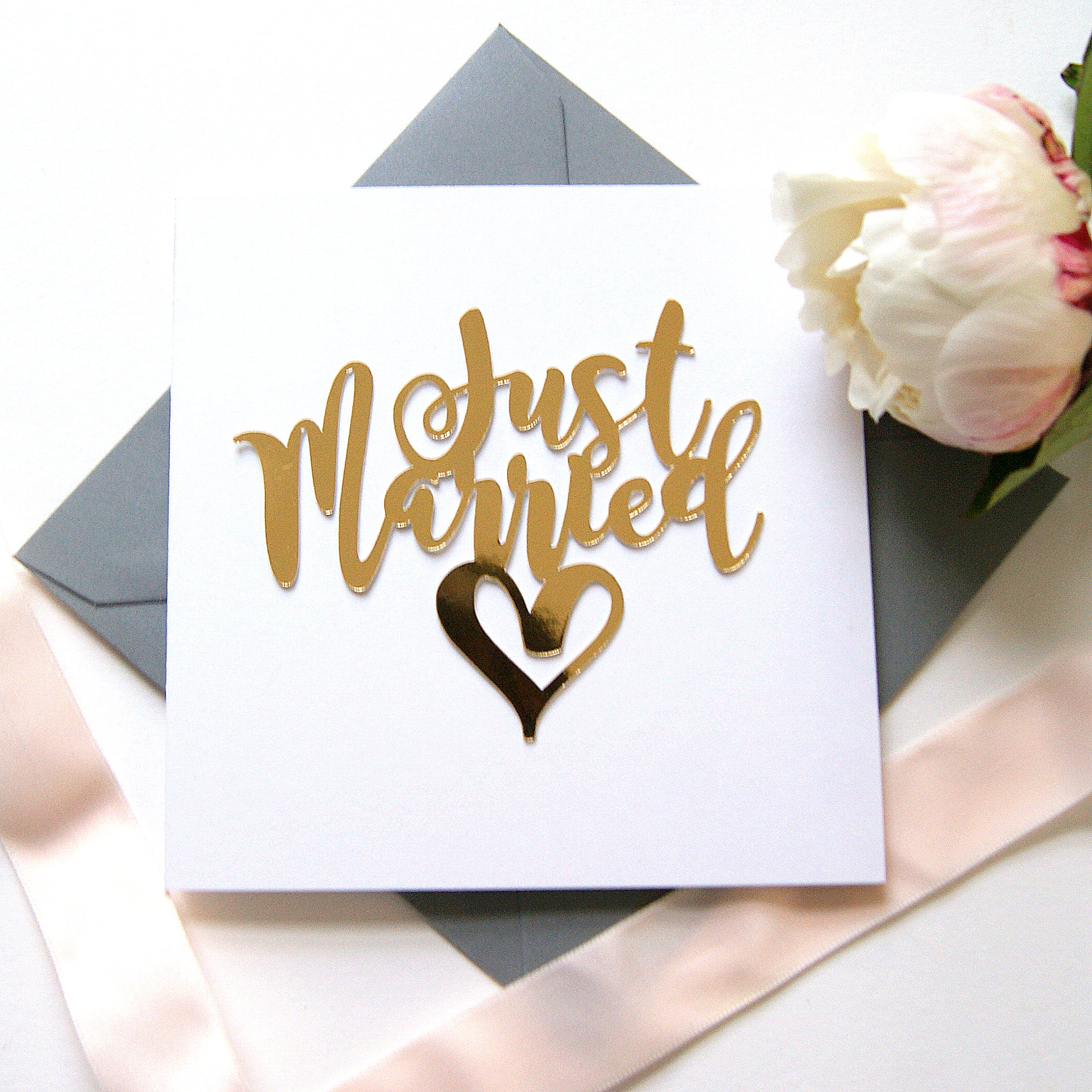 LUXE-JUST-MARRIED-GOLD-PAPER-CUT-CARD-3